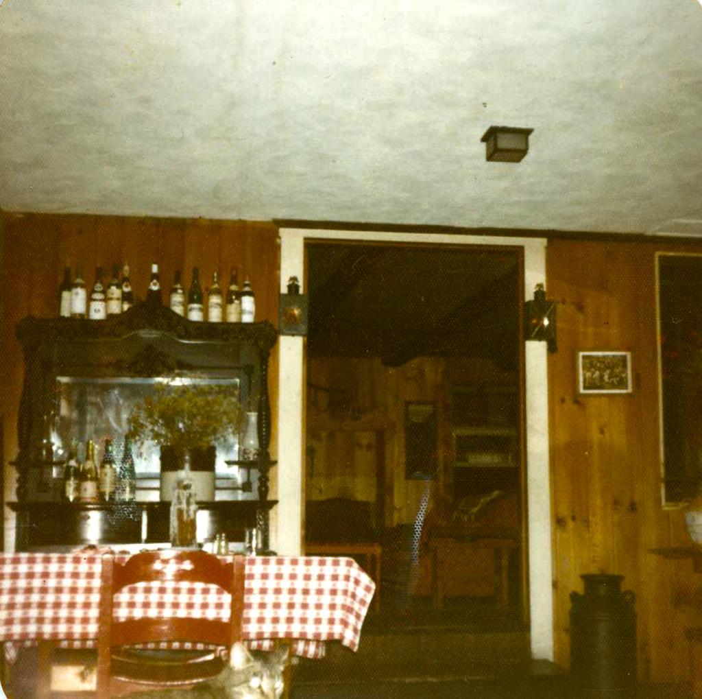 Snuggery Inn Dining Room